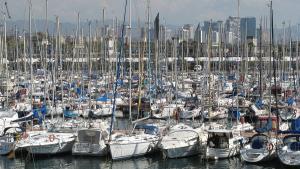 Barcelona-Wochenende-Hafen-Schiffe