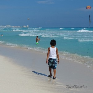 Backpacking-Mexiko-Cancun-Playa-Delfines-Kind