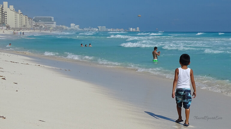 Mexiko Rundreise Strandspaziergang Cancun