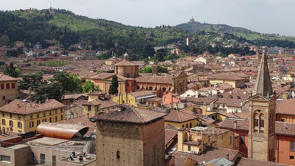 Bologna Italien Terrazza Rechts