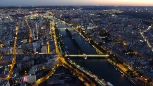 Paris von oben Aussicht Eiffelturm Seine Nacht