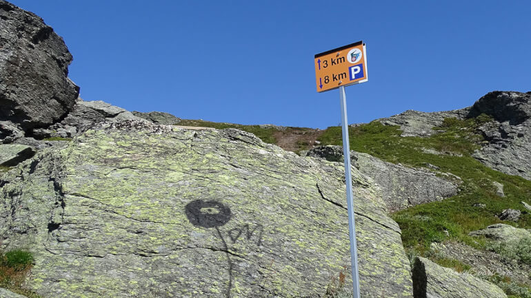 Trolltunga Norwegen Kilometerschild