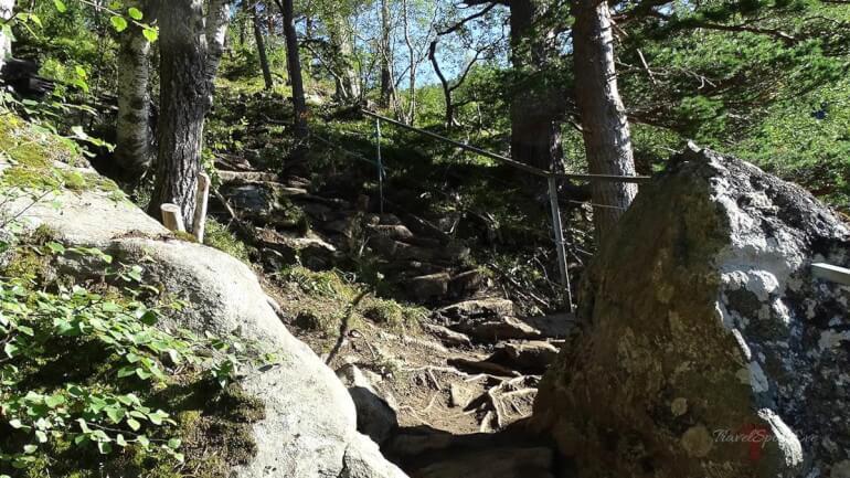 Trolltunga Norwegen Weg