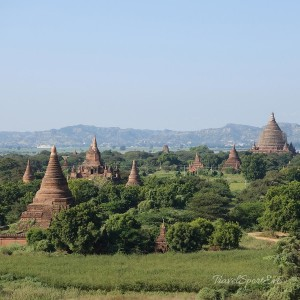 Backpacking-in-Myanmar-Bagan-Tempelland