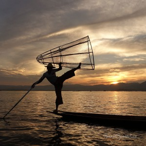 Backpacking-in-Myanmar-Inle-Lake-Fisherman