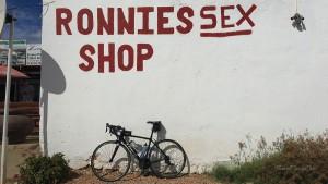 Garden Route Südafrika Radreise Route 62 Ronnies Sex Shop