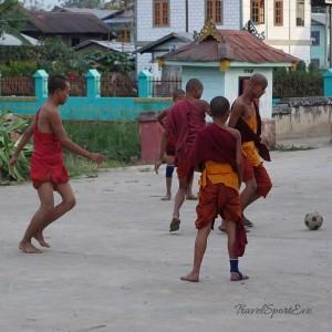 Myanmar Bilder Inle Lake Buddhas